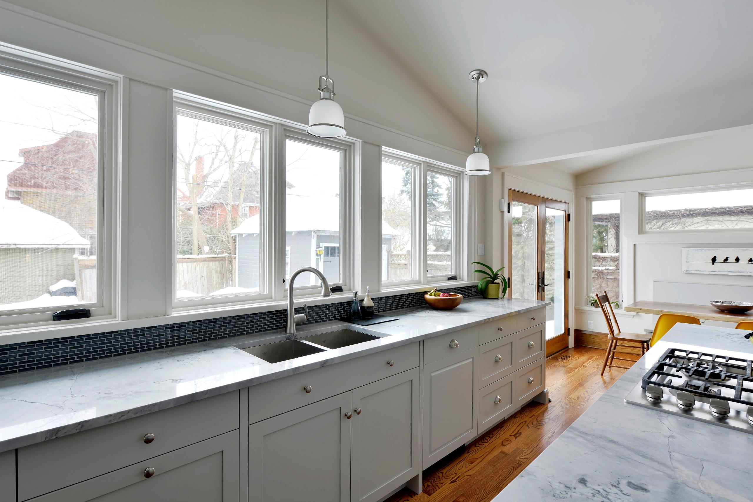 A 4-inch kitchen backsplash