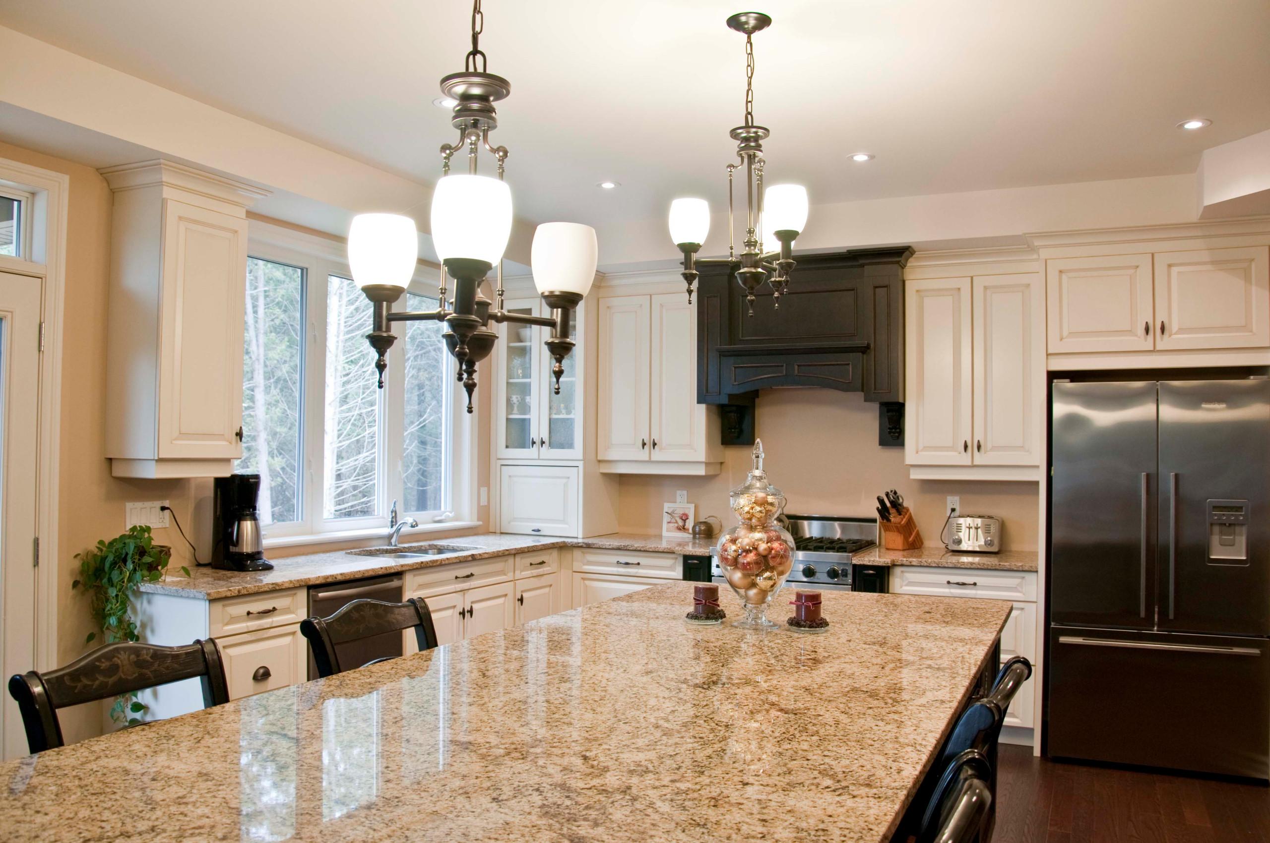 A kitchen without a backsplash