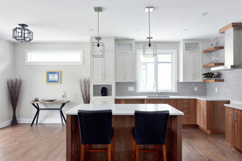 A clean, contemporary kitchen by Deslaurier